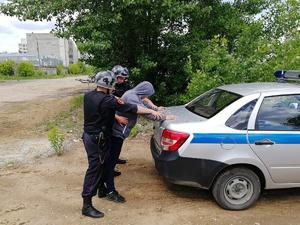 Нижегородские росгвардейцы задержали подозреваемого в незаконном обороте наркотиков