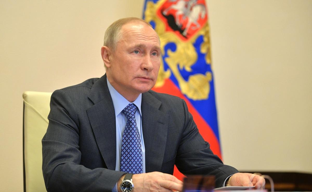 Путин: малый и средний бизнес получит бюджетные средства на зарплаты сотрудникам за три месяца - фото 1