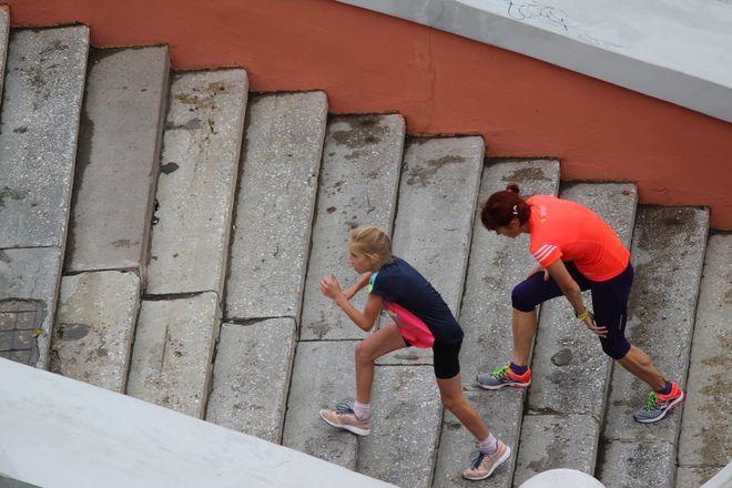 Нижегородец Николай Бурда в 16-й раз выиграл забег по Чкаловской лестнице - фото 6