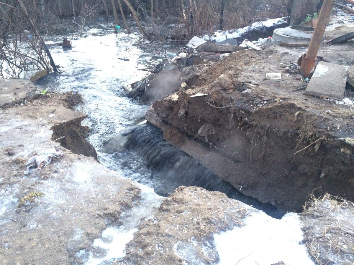 40 участков затопило стоками в СНТ «Красный кожевенник» из-за прорыва канализации - фото 1