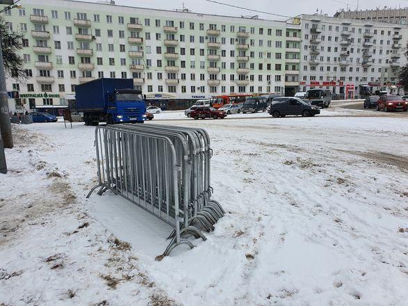 Протестующие собрались в центре Нижнего Новгорода - фото 6