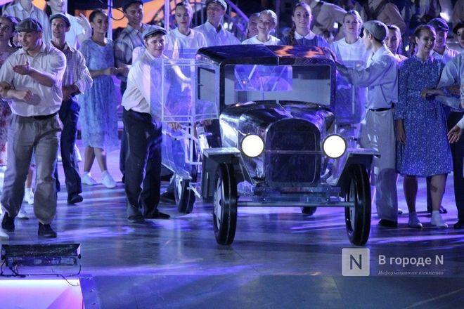 Огонь, вода и звезды эстрады: Как прошло гала-шоу 800-летия Нижнего Новгорода - фото 56