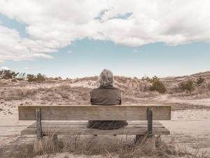3 причины, по которым пожилым людям не спится по утрам