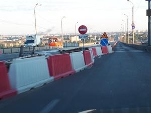 Мызинский мост открыли для личного транспорта по ночам