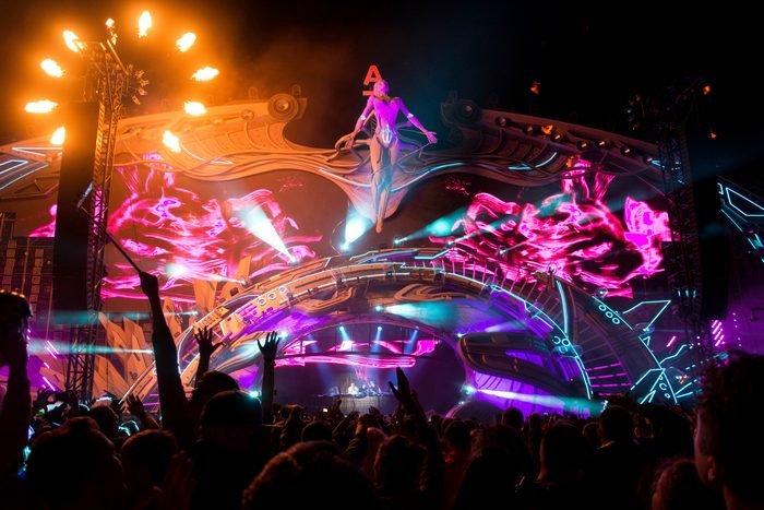 Организаторы Alfa Future People показали шокирующую сцену фестиваля 2019 года - фото 4