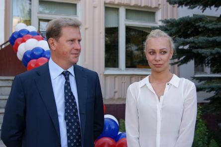 Олимпийская чемпионка поздравила с Днем знаний школьников Нижегородского района (ФОТО)