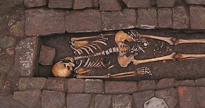 Мертвая женщина родила ребенка вмогиле