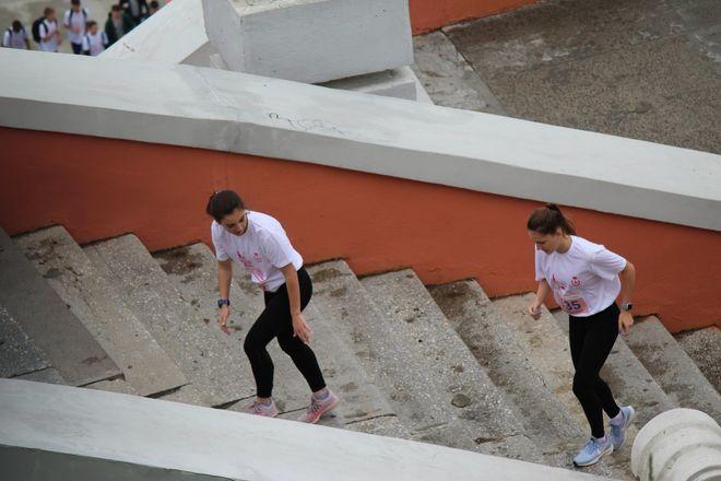Нижегородец Николай Бурда в 16-й раз выиграл забег по Чкаловской лестнице - фото 21