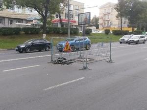 Одну полосу движения на проспекте Гагарина временно перекрыли