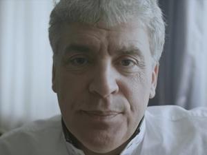 Павел Грудинин проиграл спор и сбрил усы (ВИДЕО)