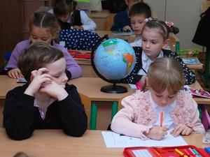 Может ли учитель отобрать у ученика смартфон во время урока?