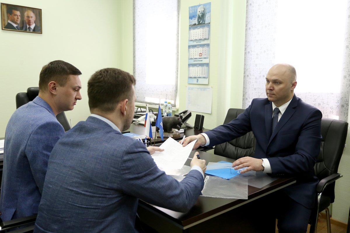 На праймериз «Единой России» по довыборам в нижегородский парламент подали заявки три кандидата - фото 1