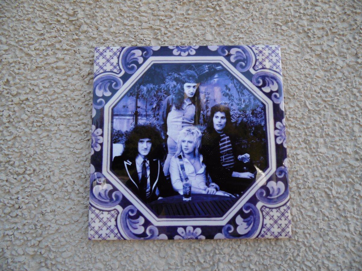 Памятная плитка в честь группы «Queen» появилась в Нижнем Новгороде - фото 1
